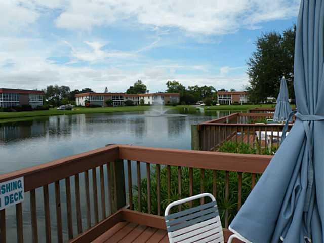 Vista del Lago Condominiums in Stuart FL
