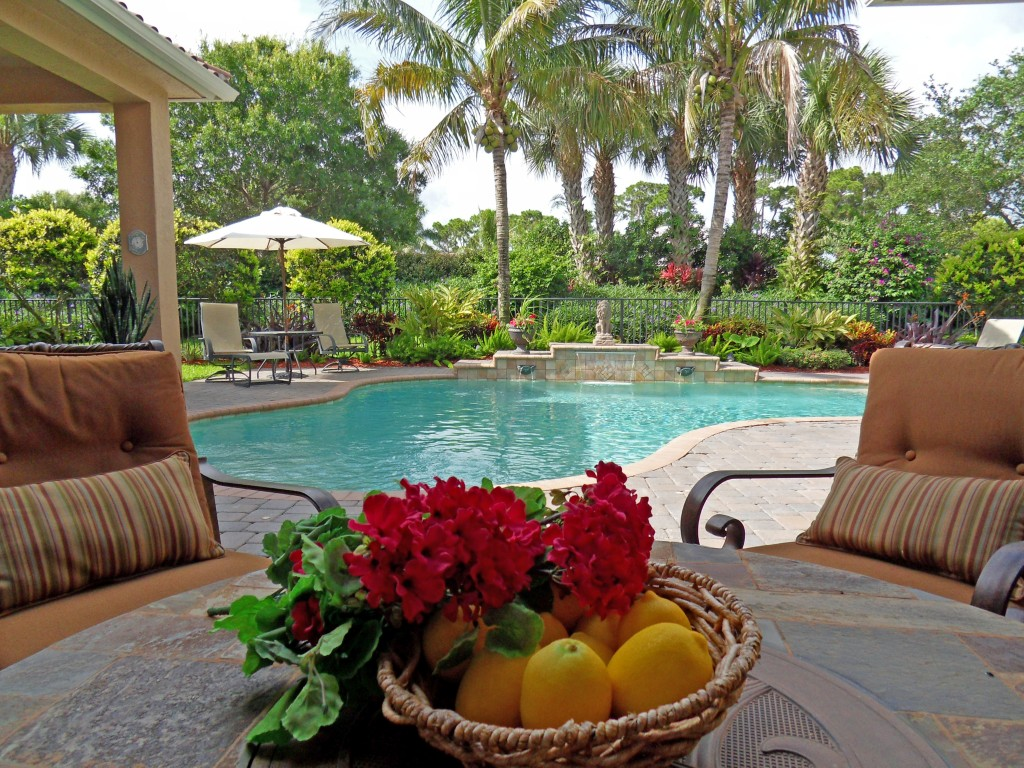 Jensen beach homes with private pools treasure coast for Florida pool homes