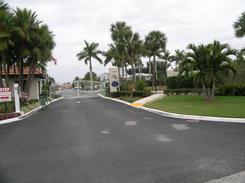 Entrance to Snug Harbor West