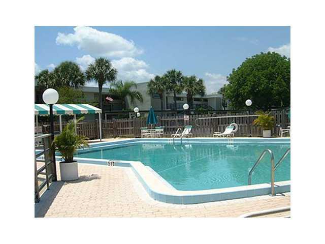 Pool of Circle Bay Waterfront Condos in Stuart Florida