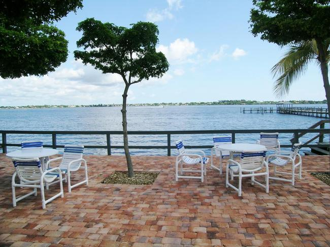 Pierpoint Yacht Club Condos in Stuart FL Riverside
