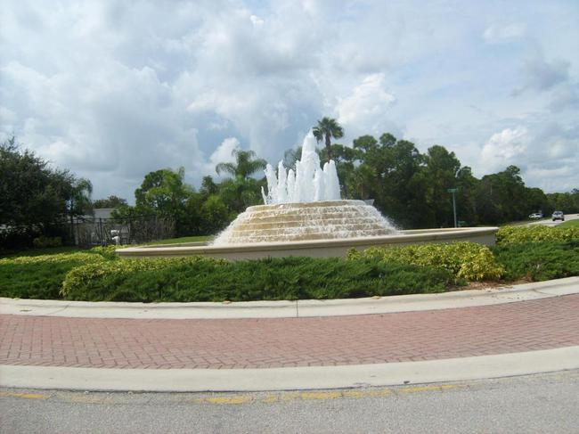 Palm Cove Golf and Yacht Club Fountain