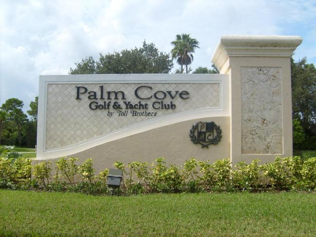Entrance to Palm Cove Golf and Yacht Club