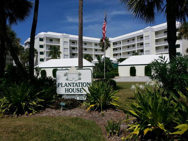 Plantation House Condos Front