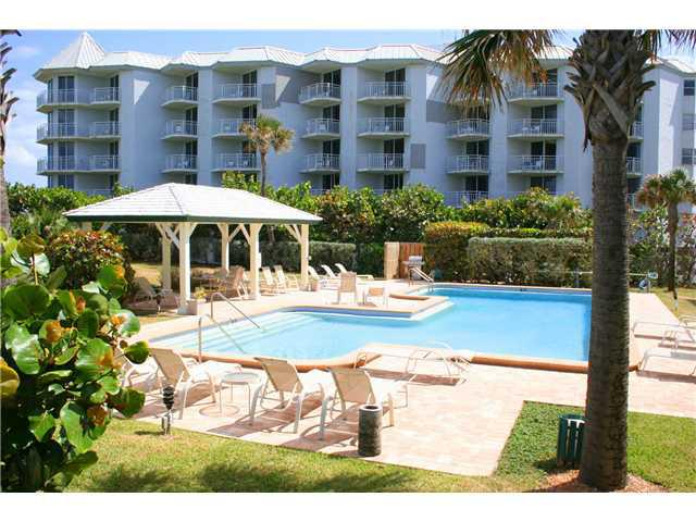 Plantation House Condos pool