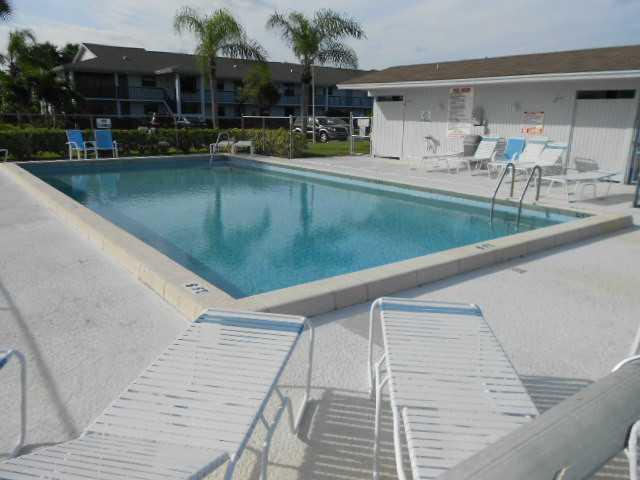 Parkview Condos in Stuart FL Pool