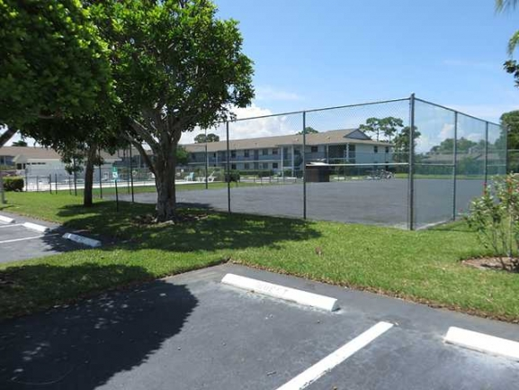 Tennis Courts in the Parkview Condos in Stuart FL