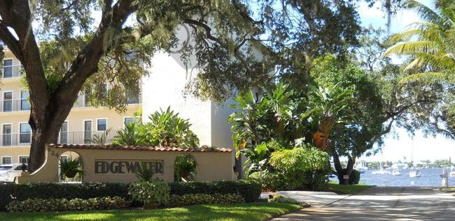 Edgewater Villas entrance