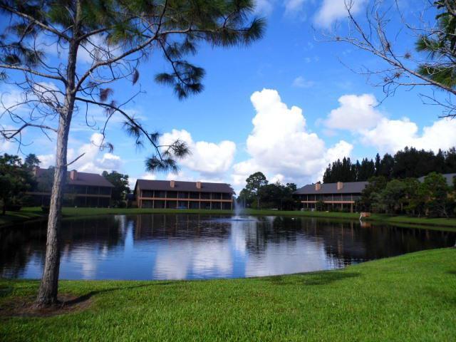 Views of Crestwood Townhomes in Stuart FL