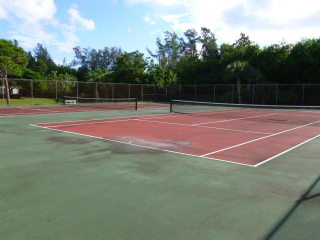 Twin Lakes tennis courts