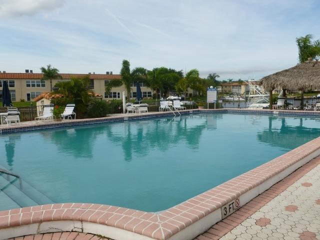 de la Bahia pool