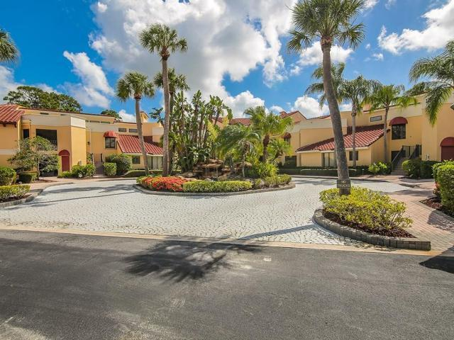 Carriage Hill Condos in Palm Cove Golf and Yacht Club