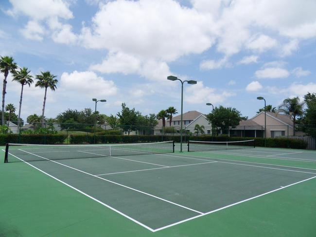 Palm Pointe and Palm Isles real estate in Palm City - tennis courts